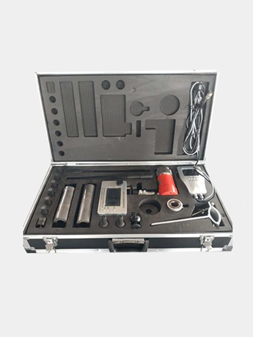 Intelligent detector for comprehensive parameters of bolt